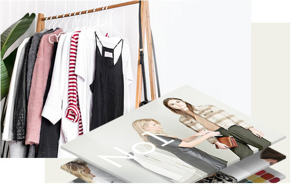 фото одежда на вешалах
